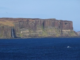 The Kilt Rock, and the Mealt waterfall (© John Allan)
