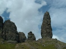 The Old Man of Storr and other pinnacles (© Nigel Homer)