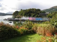 Portree Harbour (© Norrie Adamson)